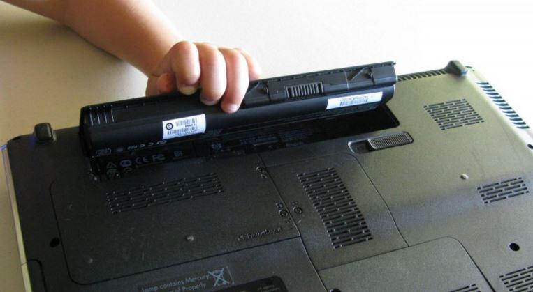 hoi sinh pin laptop cu