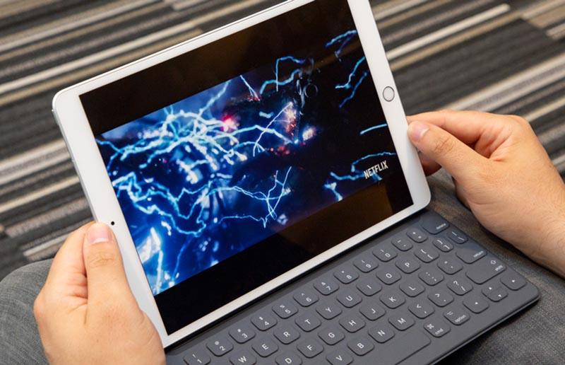 dung lượng pin cao ipad-air-wi-fi-64gb-space-gray-muuj2zaa