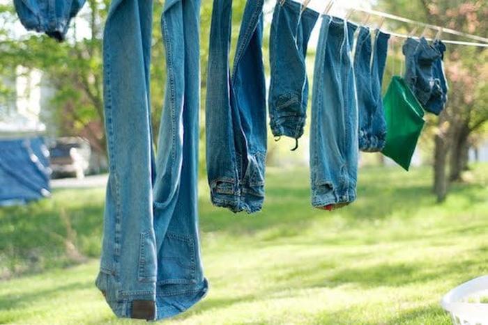 Cách giúp quần áo khô nhanh trong mùa mưa