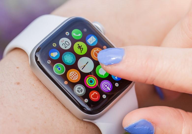 kho ứng dụng Apple Watch Series 5 GPS, 44mm viền nhôm xám dây cao su đenMWVF2VN/A
