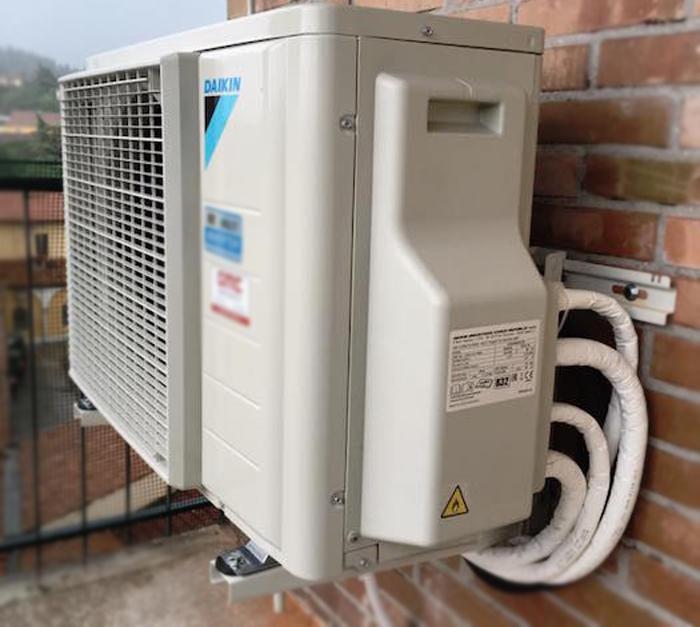 Nguyên nhân máy lạnh không lạnh khi trời nóng