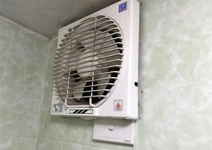 có nên lắp quạt thông gió trong phòng điều hòa
