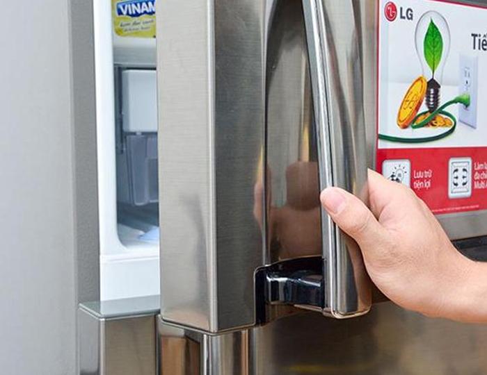 Nguyên nhân chính làm tủ lạnh bị chảy nước và cách khắc phục